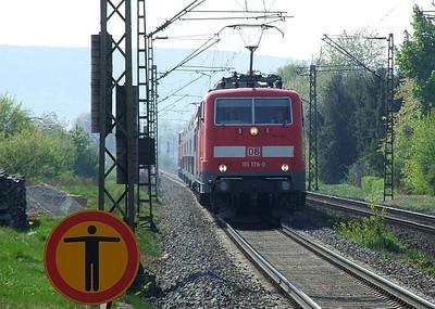 DB 111 178, Himmelstadt, 20th April 2011.
