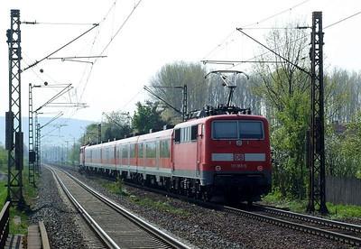 DB 111 185, 111 218, Himmelstadt, 20th April 2011.