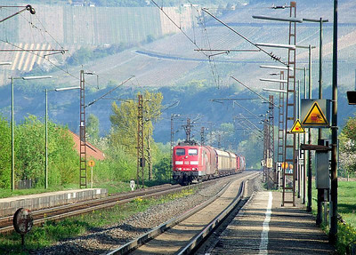 DB Class 151 electric 151 155 approaches Himmelstadt with a freight working on 20th April 2011.