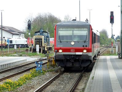 DB 928-630+628-630, 364 776, Mühldorf (Oberbay), 16th April 2011.