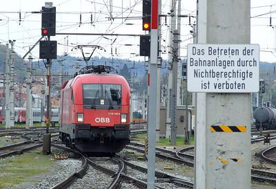 OBB 1116 182, Salzburg Hbf, 16th April 2011.