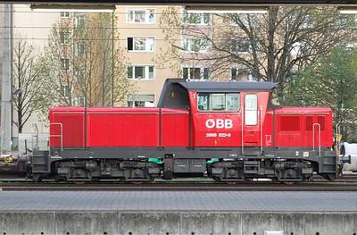 OBB 2062 022, Salzburg Hbf, 16th April 2011.