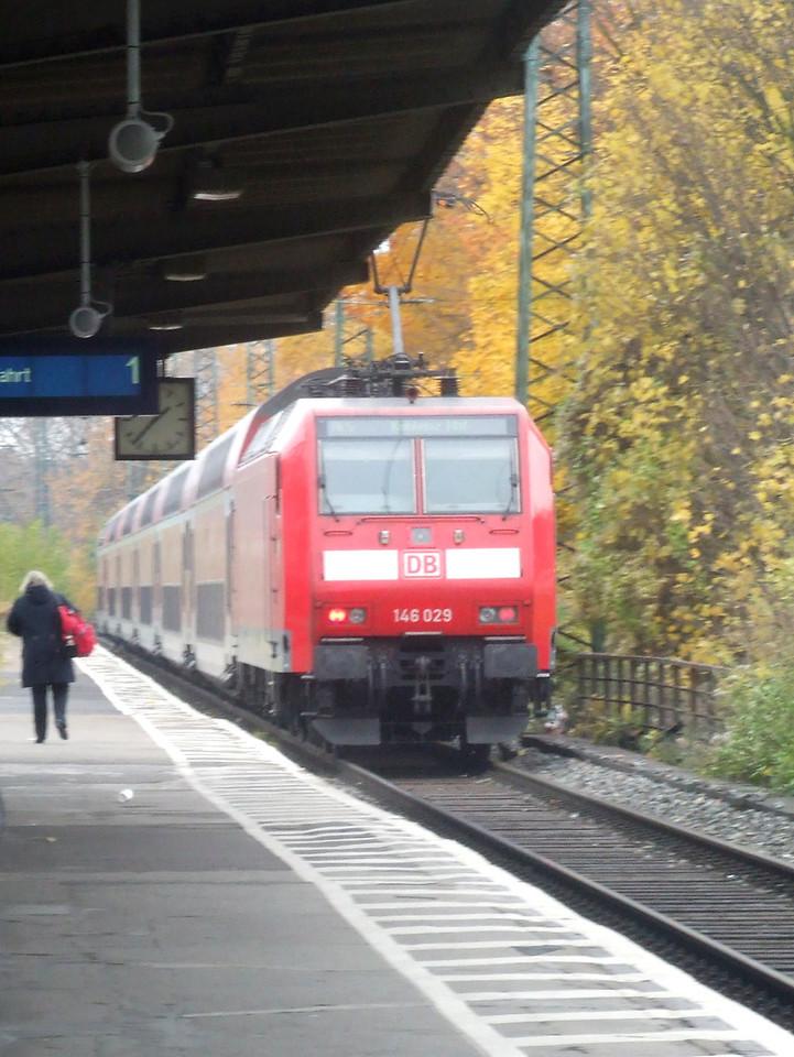 DB 146 029 at Köln West, 13th November 2012.