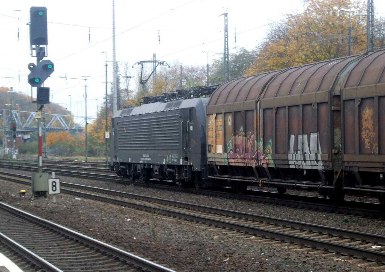 ES64F4 104 (189 104) at Köln West, 13th November 2012.