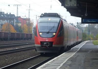 DB 644 560 + 644 060 & 644 530 + 644 030 at Köln West, 13th November 2012.