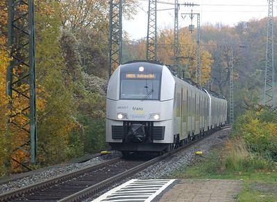 460 512/012 + 460 505/005 at Köln West, 13th November 2012.