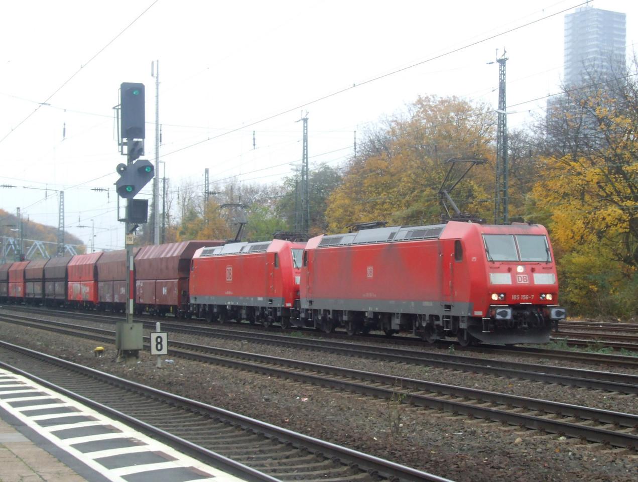 DB 185 156 + 185 150 at Köln West, 13th November 2012.