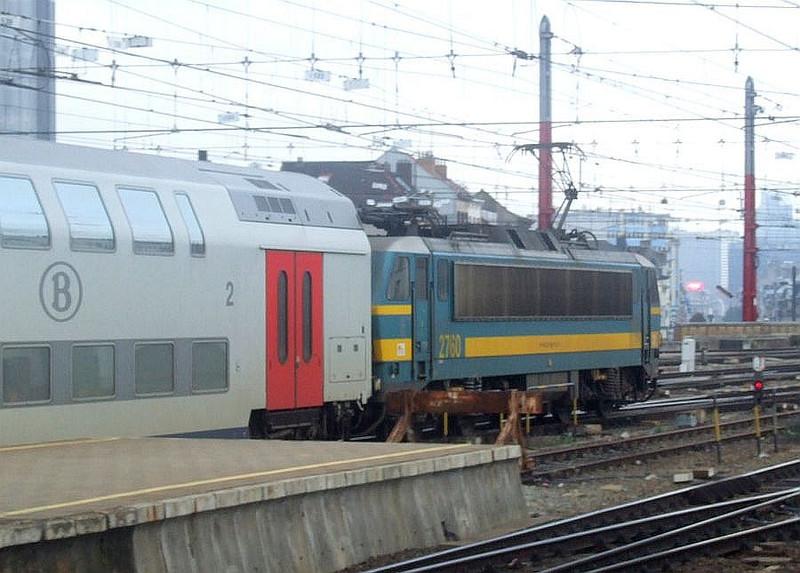 SNCB 2760 at Brussel Zuid, 12th November 2012.