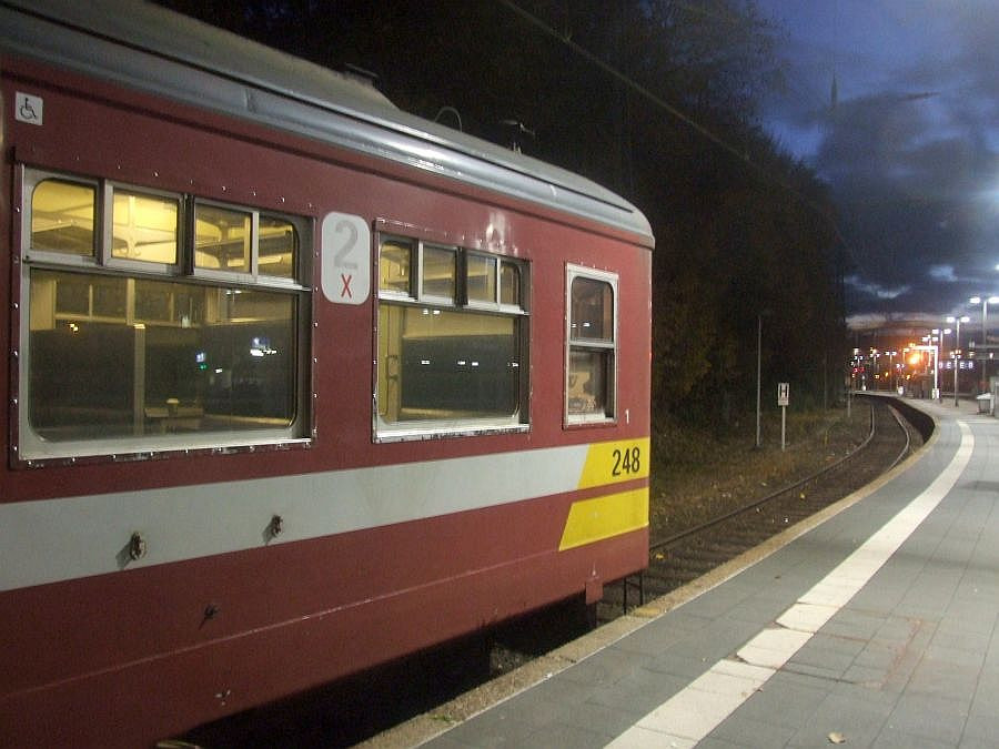 SNCB 246 at Liege Guillemins, 12th November 2012.