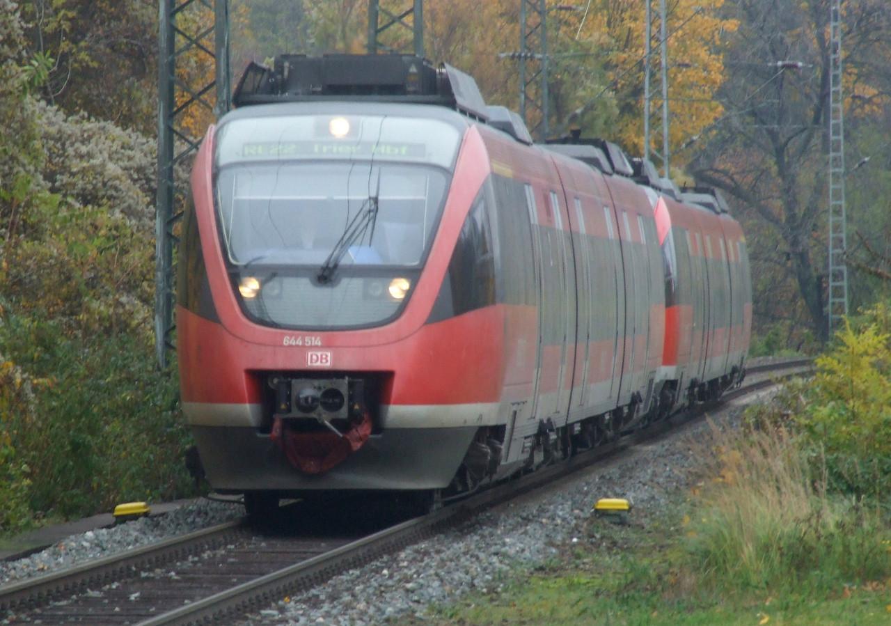 DB 644 514/014 + 644 518/018 at Köln West, 13th November 2012.