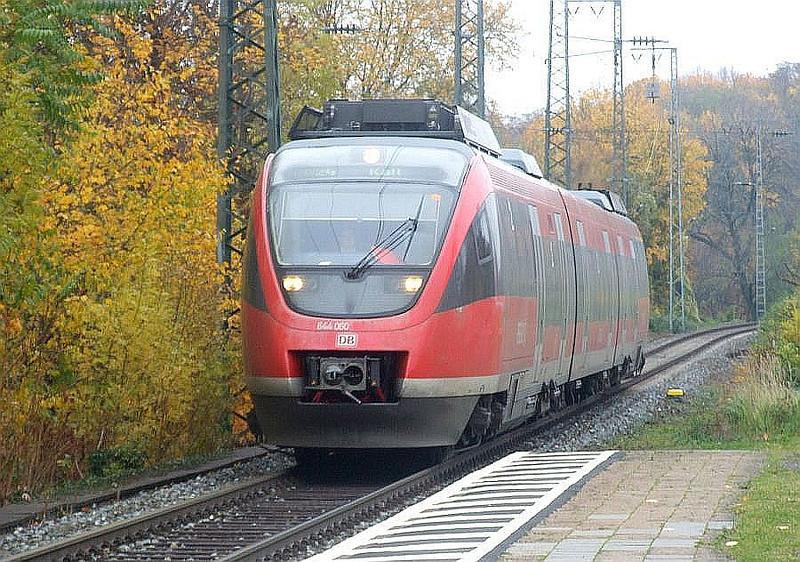 DB unit 644 060 at Köln West, 13th November 2012.