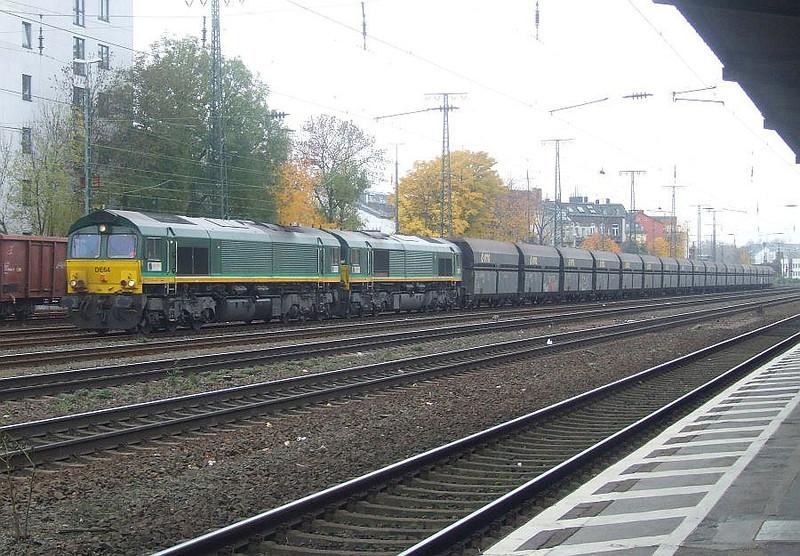 DE64 + DE63 at Köln West, 13th November 2012.