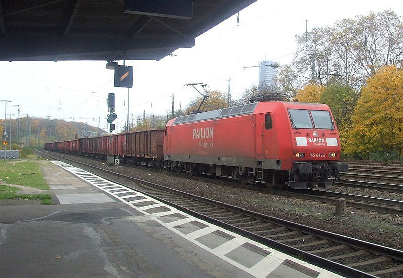 Railion 145 049 at Köln West, 13th November 2012.
