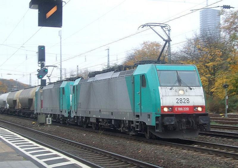 SNCB 2828 (E186 220) + 2804 at Köln West, 13th November 2012.