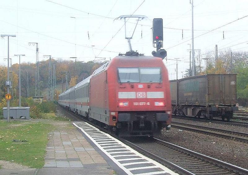 DB 101 077 at Köln West, 13th November 2012.
