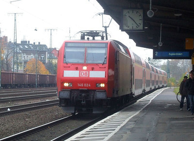 DB 146 024 at Köln West, 13th November 2012.