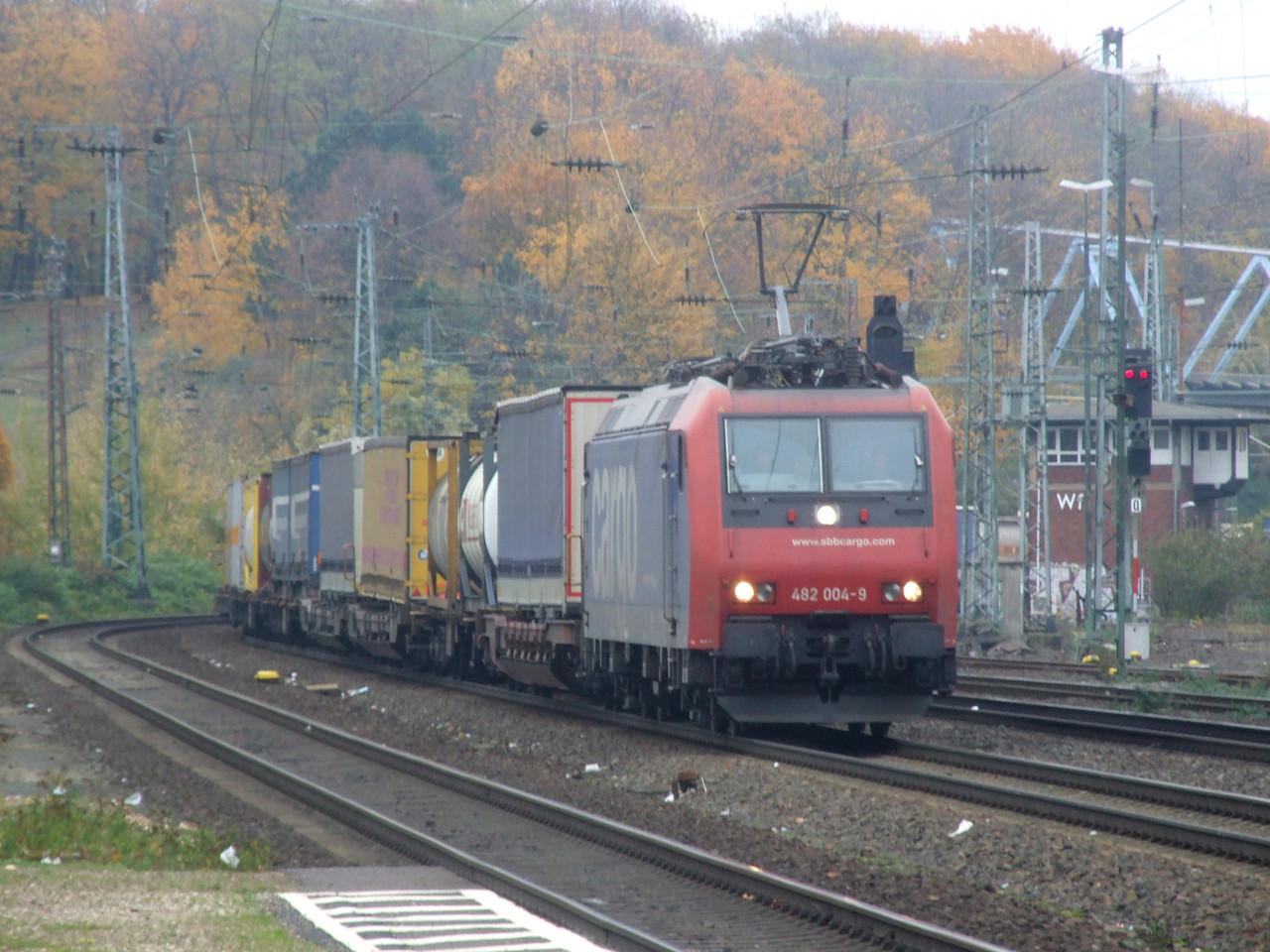 SBB Cargo 482 004 at Köln West, 13th November 2012.