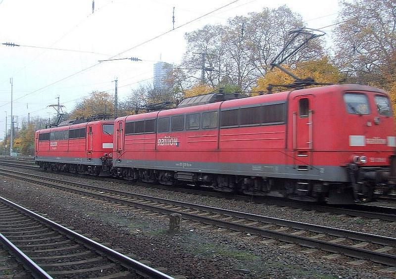 Railion 151 032 + 151 038 at Köln West, 13th November 2012.