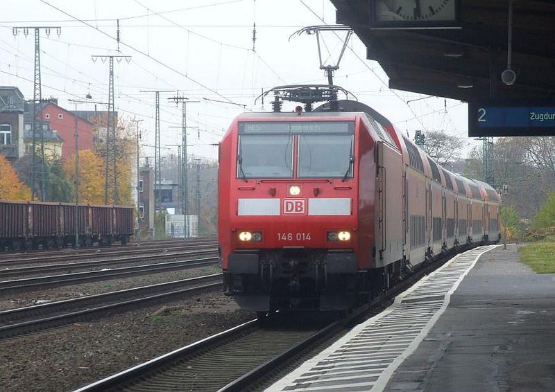 DB 146 014 at Köln West, 13th November 2012.
