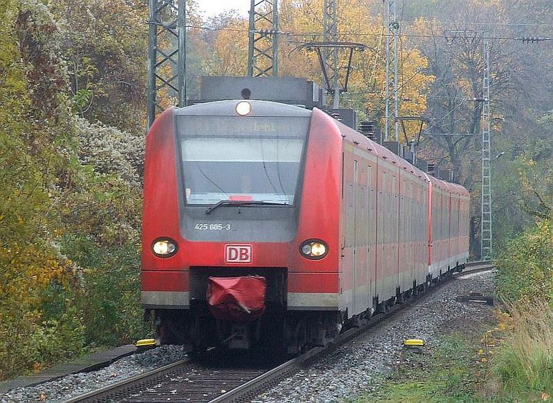 DB units 425 605/105 & 425 606/106 at Köln West, 13th November 2012.