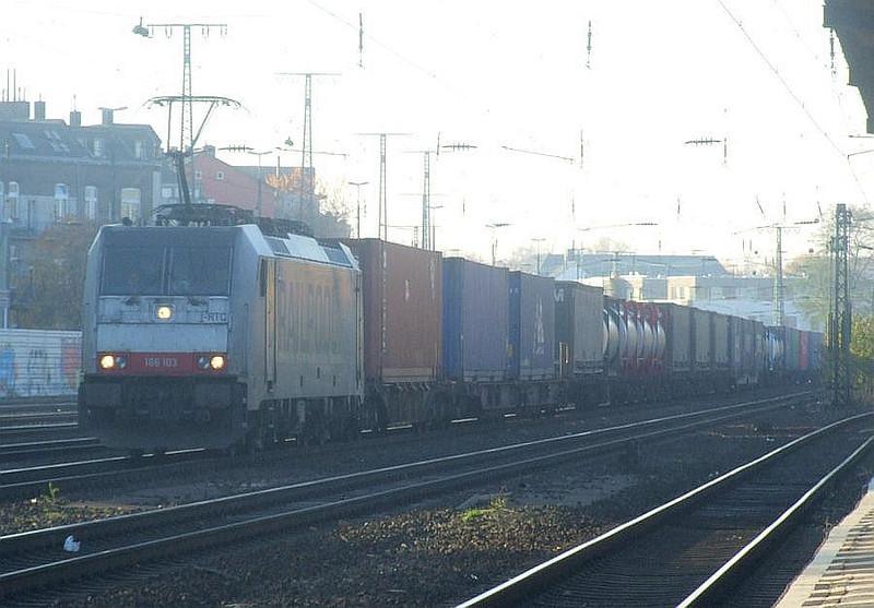 186 103 at Köln West, 14th November 2012.
