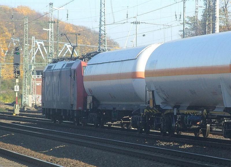 SBB Cargo 482 019 at Köln West, 14th November 2012.