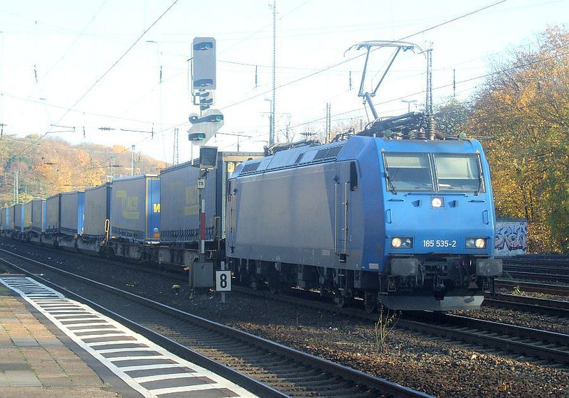 185 535 at Köln West, 14th November 2012.