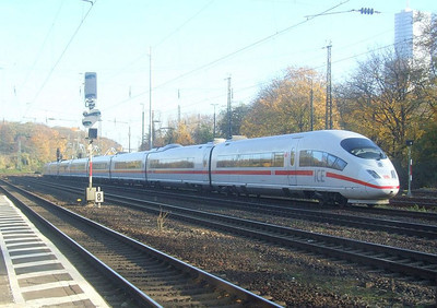 DB ICE 403-511/403-011 at Köln West, 14th November 2012.