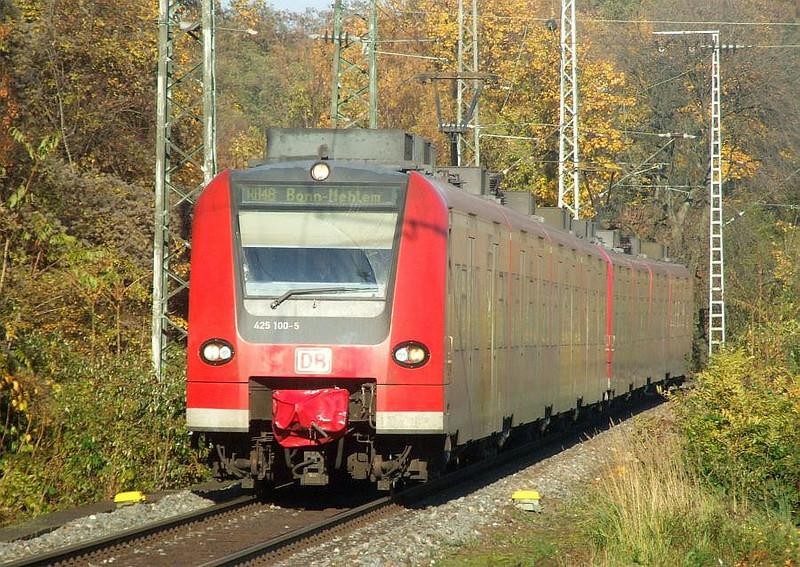 DB 425-100 + 425-108 at Köln West, 14th November 2012.