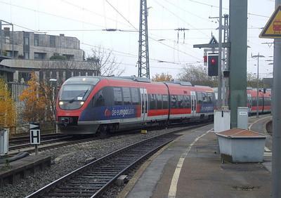 DB 643-208 + 643-207 at Aachen Hbf, 15th November 2012.