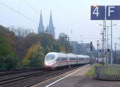 DB ICE at Köln Messe/Deutz Hbf, 15th November 2012.