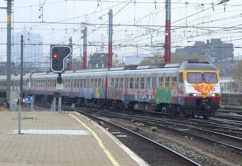 SNCB 403 + 433 at Brussel Zuid, 15th November 2012.