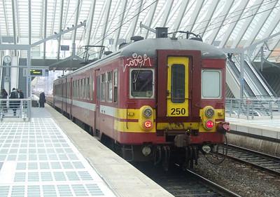 SNCB 260 at Liege Guillemins, 15th November 2012.