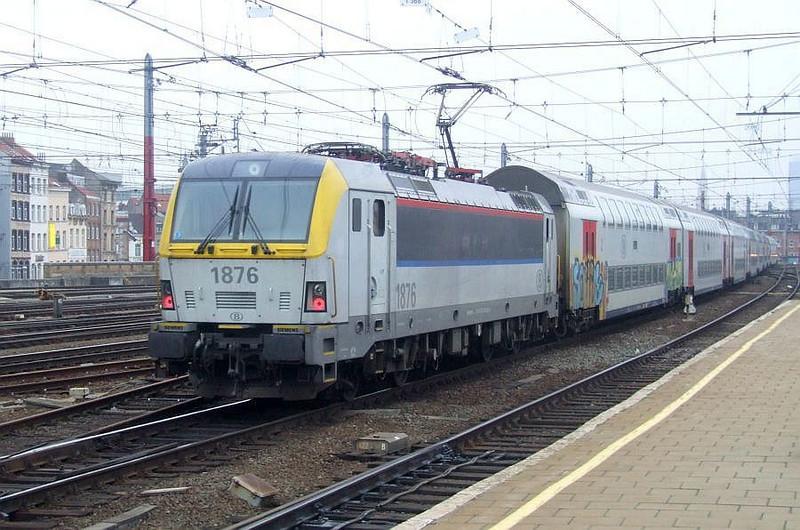 SNCB 1876 at Brussel Zuid, 15th November 2012.