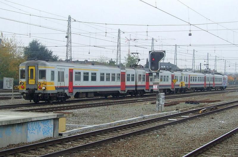 SNCB 744 + 698 at Brussel Noord, 15th November 2012.