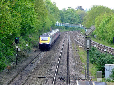 43135 leads an FGW HST past Tilehurst on the down fast on 15th May 2012.