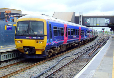 FGW 165 133 at Reading on 15th May 2012.
