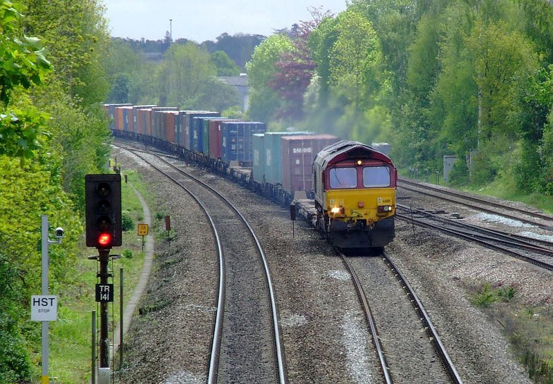 EWS 66118 approaches Tilehurst with 4M66, the 09:32 Southampton Western Docks-Birch Coppice modal working on 15th May 2012.