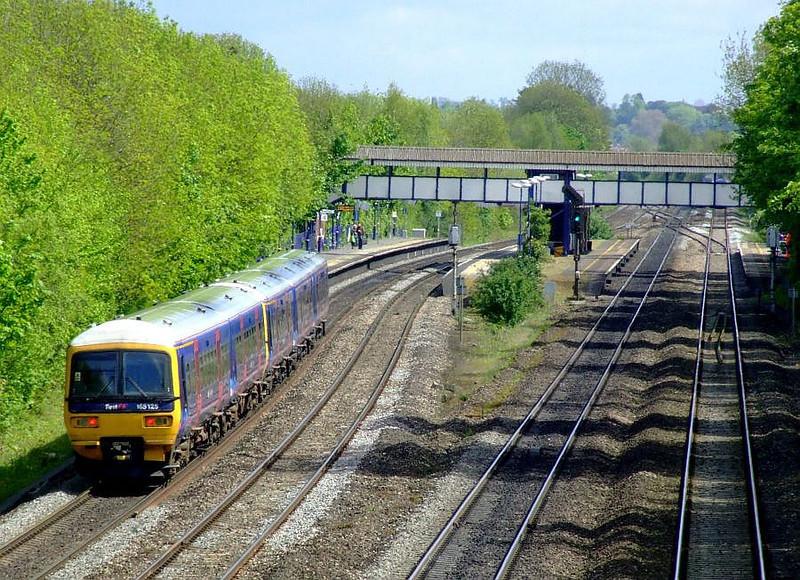 FGW E165 125 + 166 210, Tilehurst. 15th May 2012.