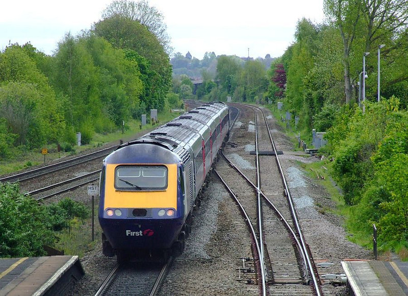 43134 leads an FGW HST through Tilehurst on the up fast on 15th May 2012.