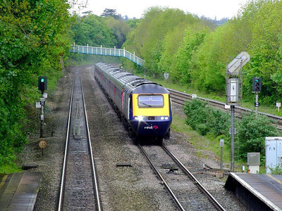 FGW 43133 leads an HST through Tilehurst on the up fast on 15th May 2012.