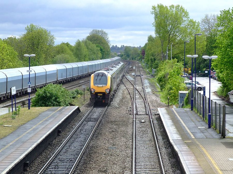 An unidentified XC Class 221 Super Voyager 5-car DEMU passes Tilehurst on the up fast on 15th May 2012.