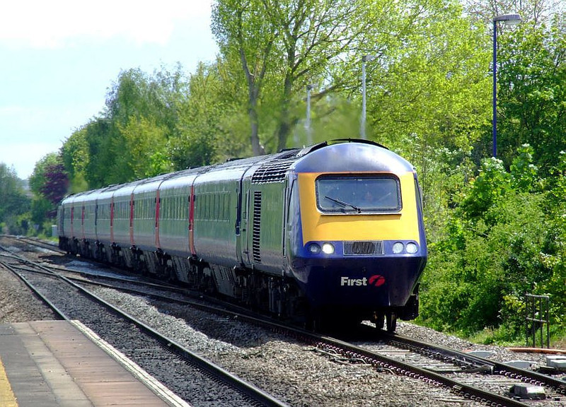 FGW 43005 leads an HST through Tilehurst on the down fast; 43174 is at the rear. 15th May 2012.