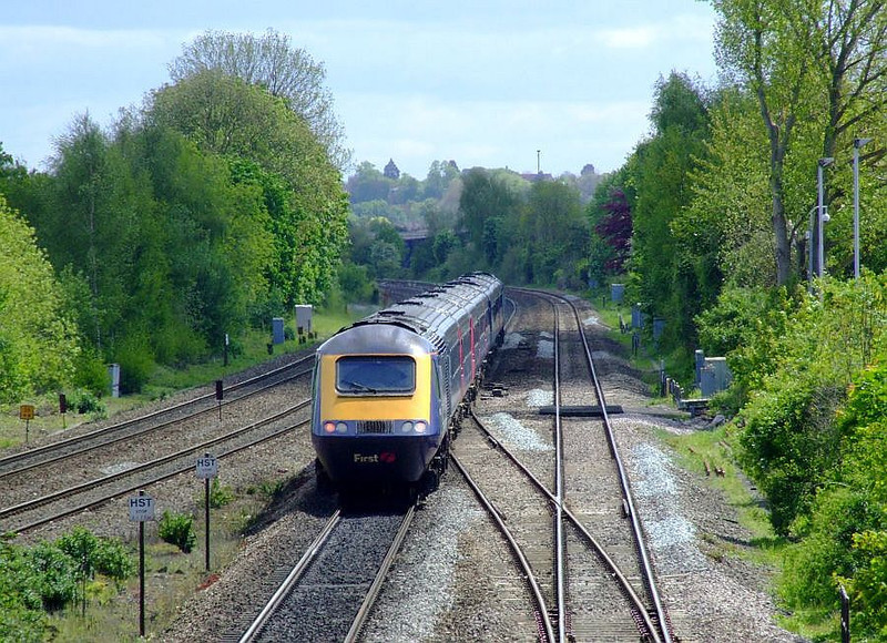 An FGW HST passes Tilehurst on the up fast on 15th May 2012.