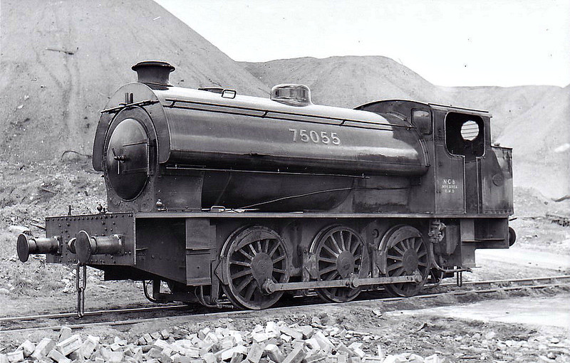 75055 - WD 'Austerity' Class 0-6-0ST - built 1943 by Robert Stephenson & Hawthorn Ltd, Works No.7091, as WD No.75055 - sold to NCB, Glapwell Colliery - seen here in 05/63 still wearing WD number.