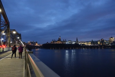 Walking back over the Alexandra Bridge into Ottawa.