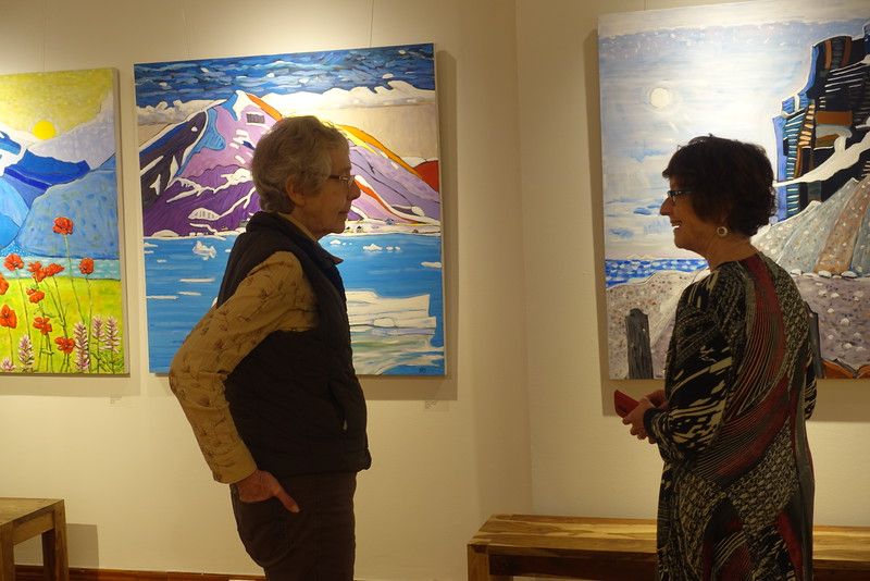 Sheena McGoogan is an acrylic artist whom Sharon is meeting for the first time, but has prior knowledge of her wonderful paintings.