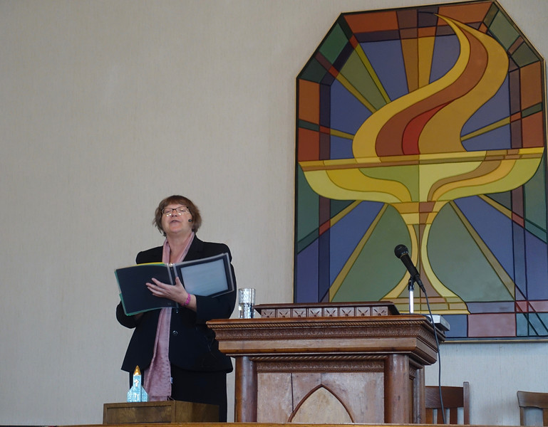 We had the added bonus of attending a service given by Fran, who was the minister of Calgary's church eight years ago.