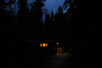 Heading towards our cabin, it's time for bed.  It is less than a minutes walk to both the kitchen and the outside bathrooms.  With the light from a few strings of white Christmas tree bulbs hanging near the parking lot - see last photo - it is not too difficult to find our way in the dark.