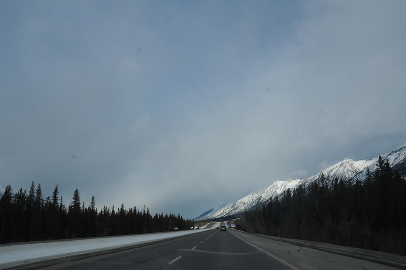 Driving west on the TransCanada Highway, heading towards Banff National Park and our Castle Mountain hostel.